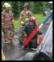 Tim O'Connell of Rescue 42 demonstrating stabilization